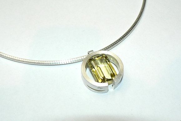 Tension Round Pendant
