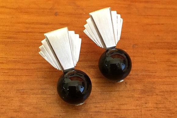 Fantail Onyx Stud Earrings