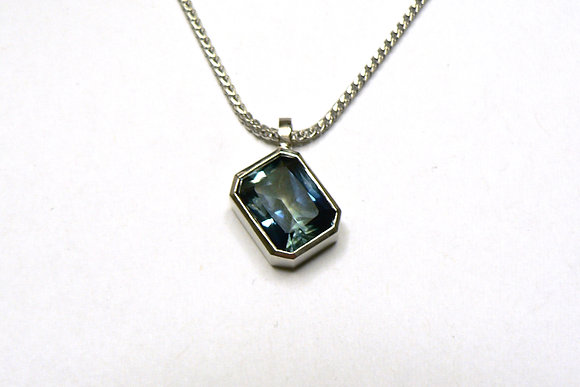 Parti Sapphire Pendant