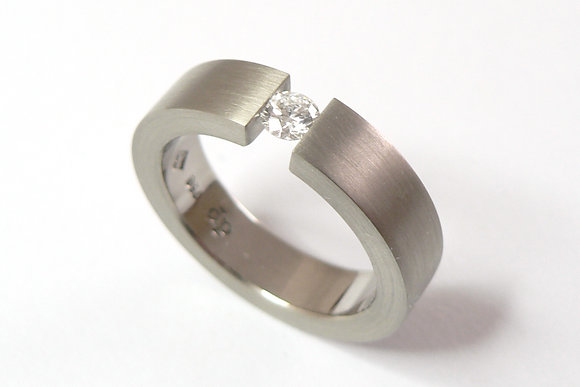 Tension Fine Ring