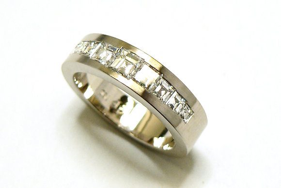 Carre Ring