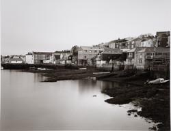 こんな海まで民家が迫っている。日本の感覚では信じられない。