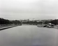 橋の上にカメラを据えNDを使用し川の水を消した。