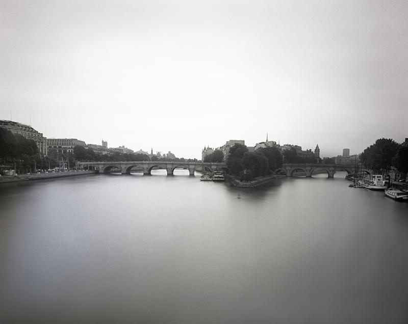 パリ15区にアパートを借り住んで撮影した。
