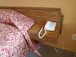 モーテルの電話を使うことはない。かかって来る事もない。