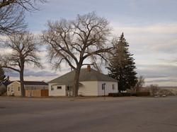 郊外には瀟洒な住宅があった。丘の上の住宅の空が綺麗だった。