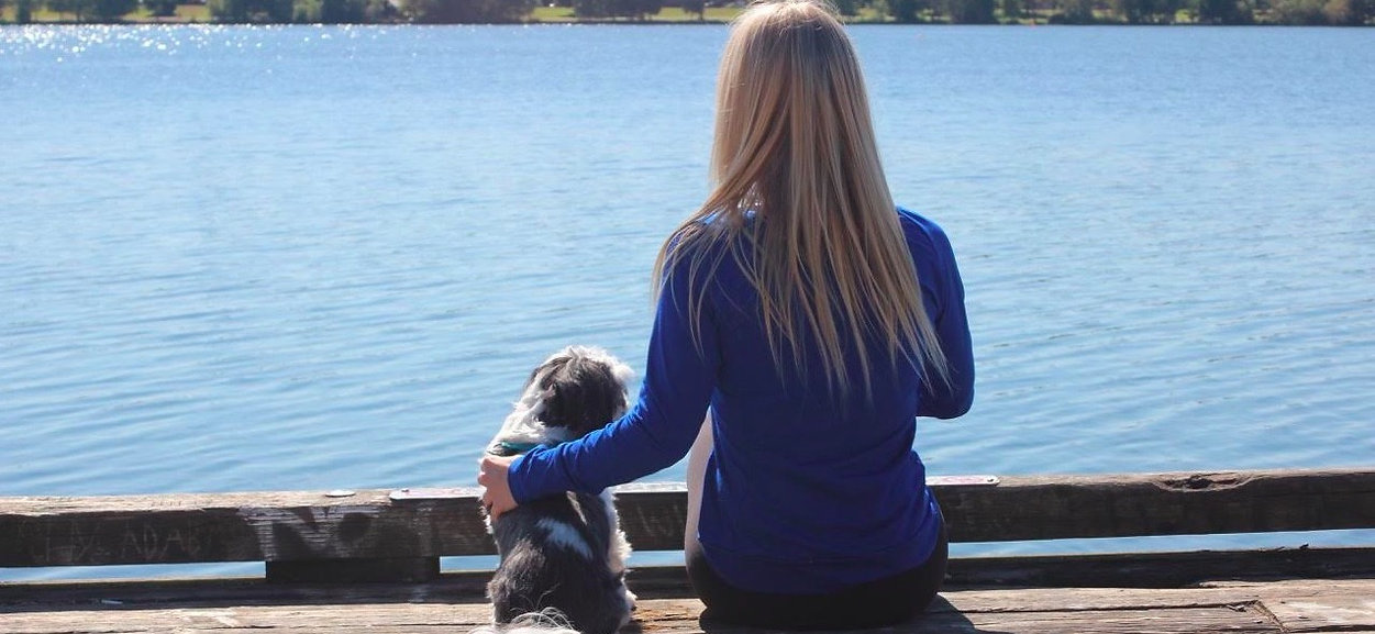 The Blonde Dog Mom, An Online Platform For Dog Lovers Featuring Articles, Dog Forum, and Blog