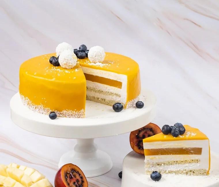 Клубнично-манговый торт