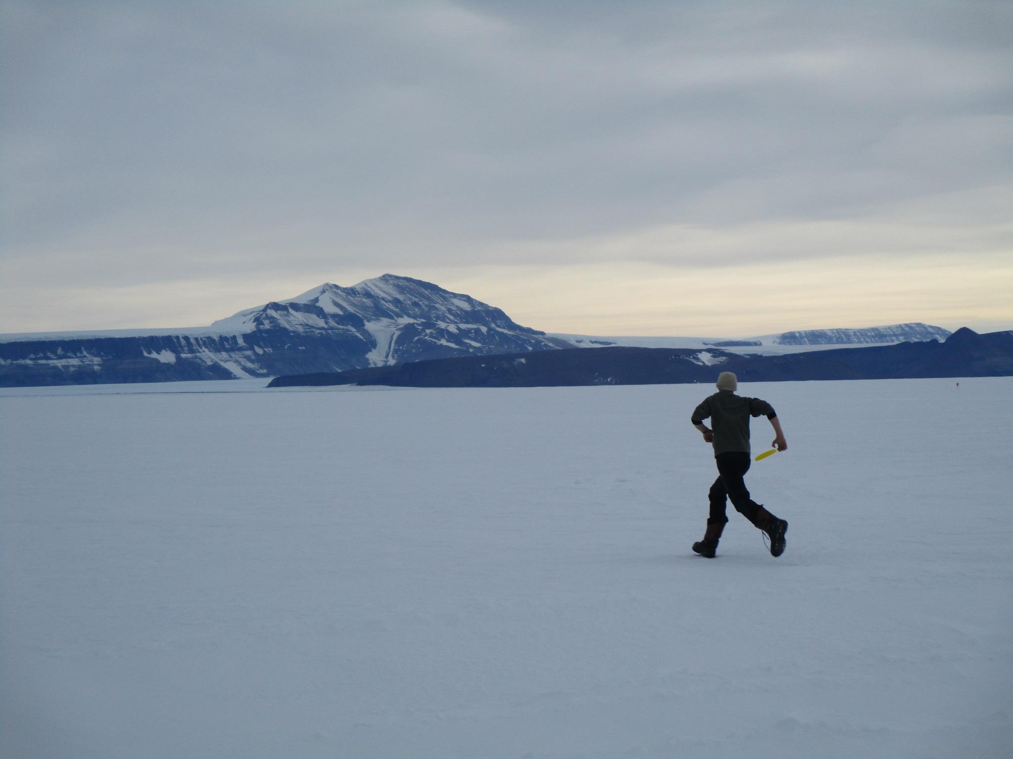frisbee on Shackleton Glacier