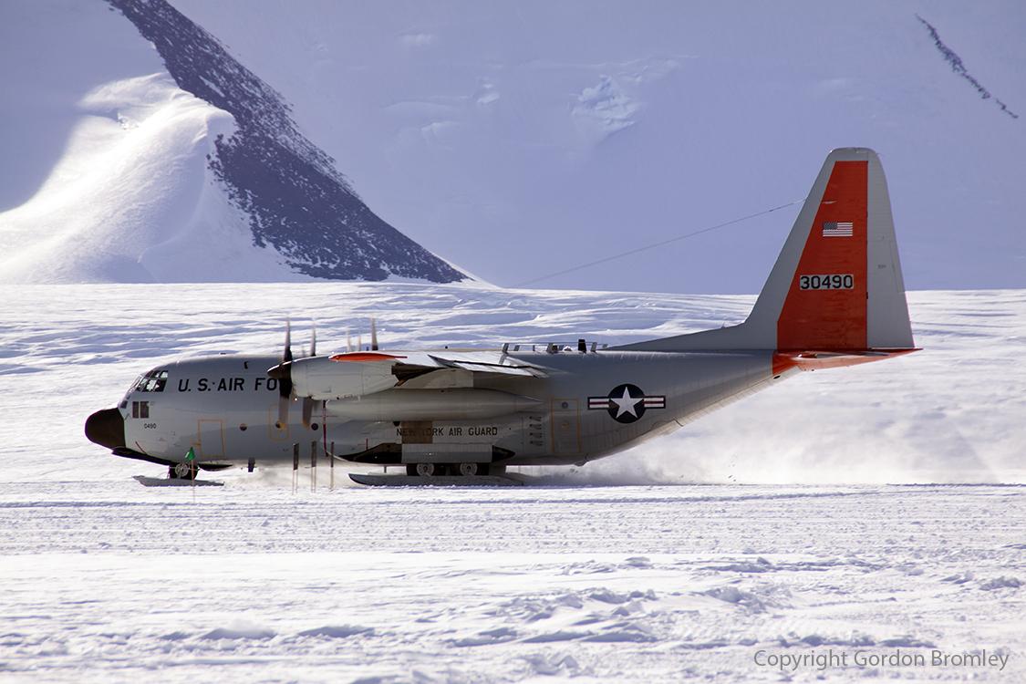 skier departs Shackleton