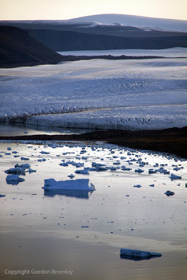 floating terminus of Knud Rasmussen Gletscher