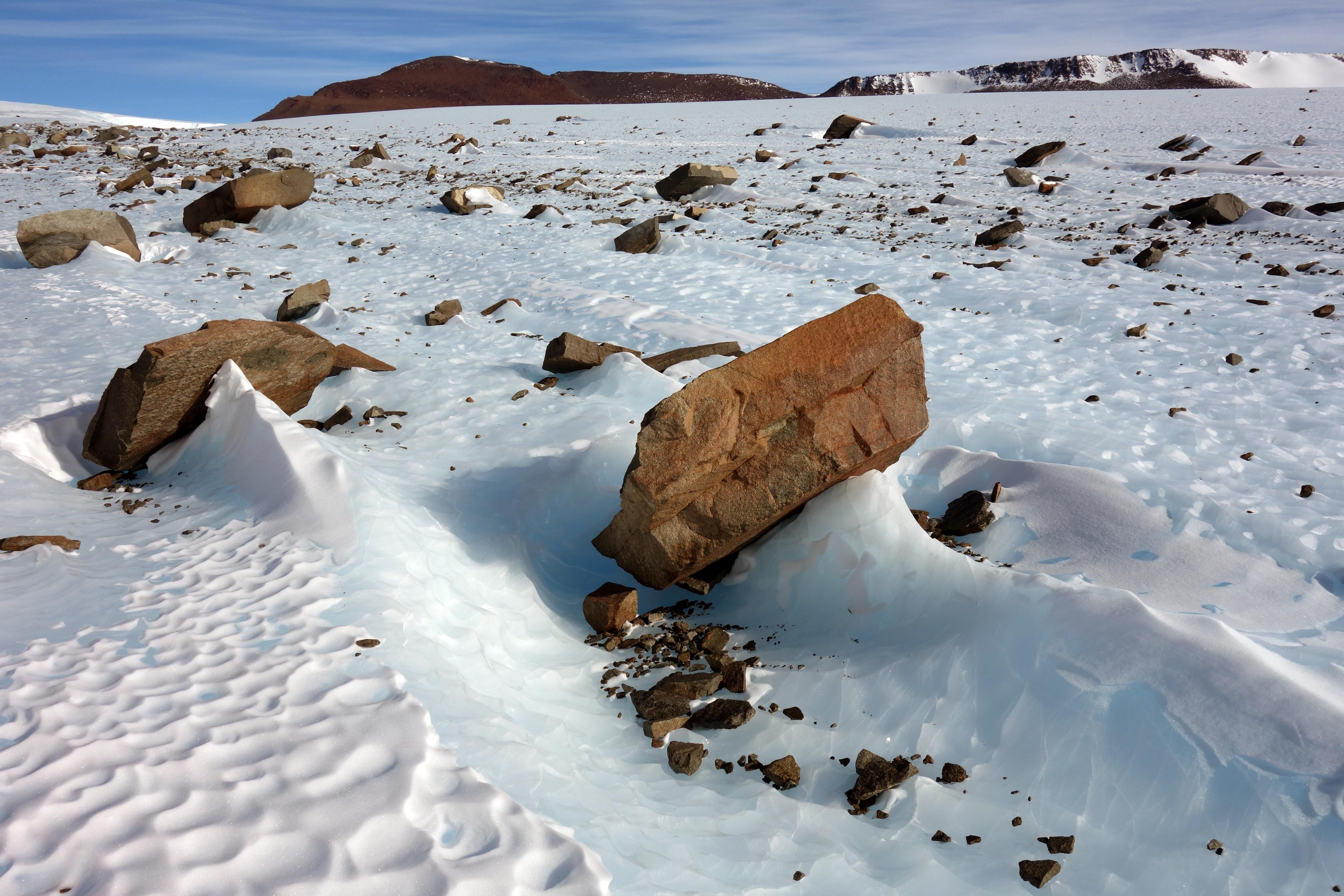 supraglacial debris