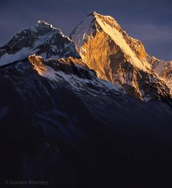 Huandoy Norte alpenglow