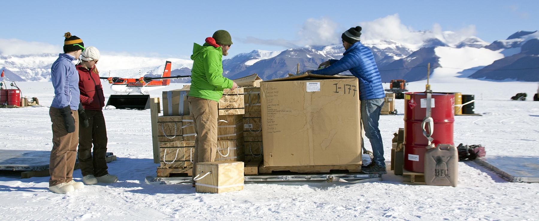 arranging the cargo line