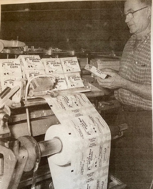 Elmer processing clams.jpg