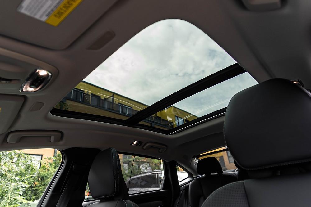 Volvo S90 panoramic roof