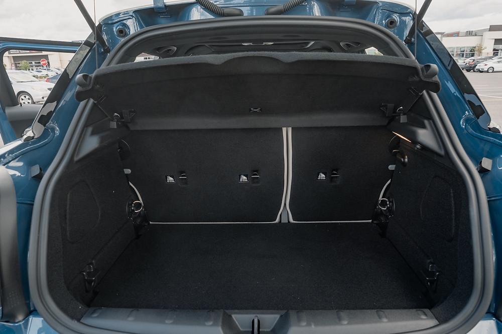 MINI Cooper S 5-Door trunk
