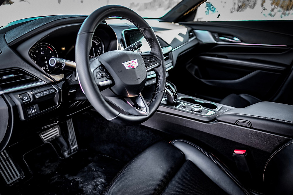 Cadillac CT4-V interior