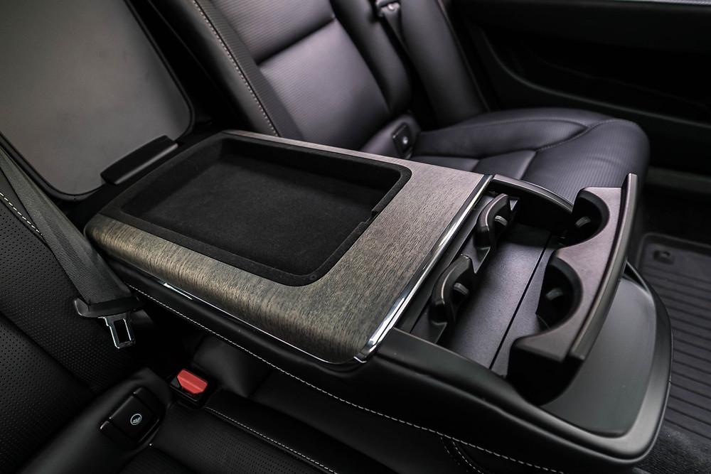 Volvo S90 rear console