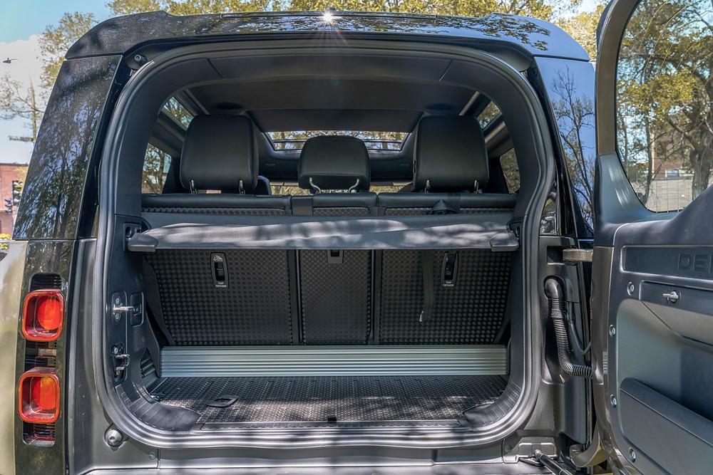 Land Rover Defender 90 trunk