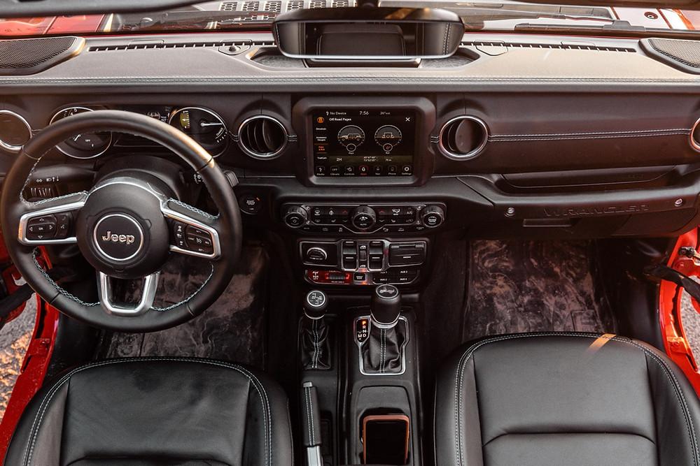 Jeep Wrangler Rubicon 4xe interior