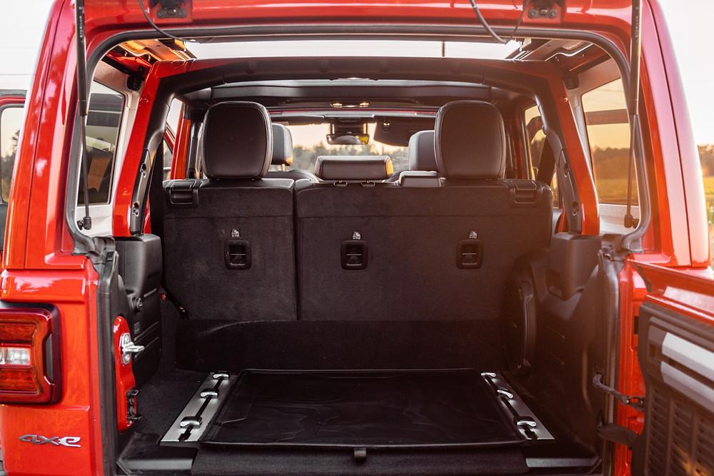 Jeep Wrangler Rubicon trunk