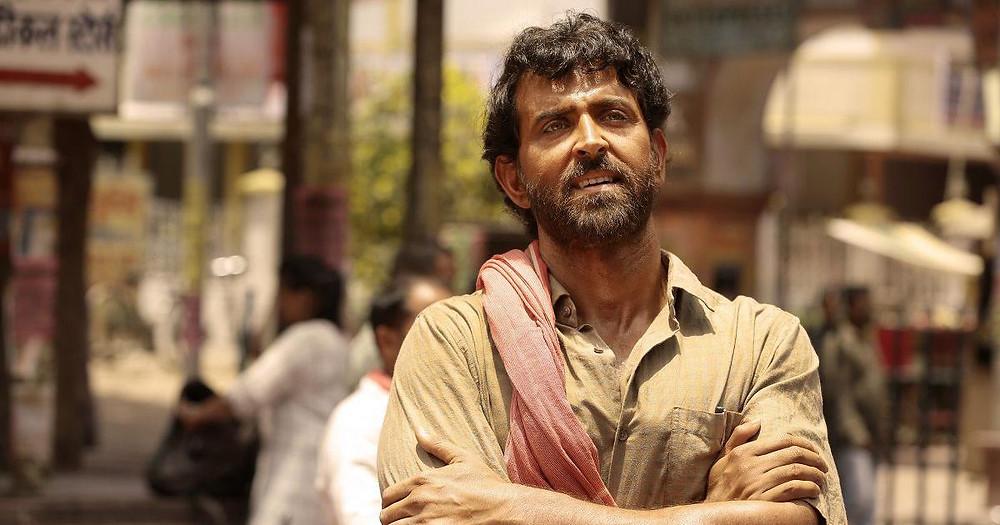Super 30 scene showing Hrithik Roshan as Anand Kumar