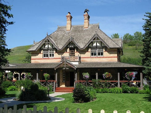 bow-valley-ranch-house-696x522.jpg