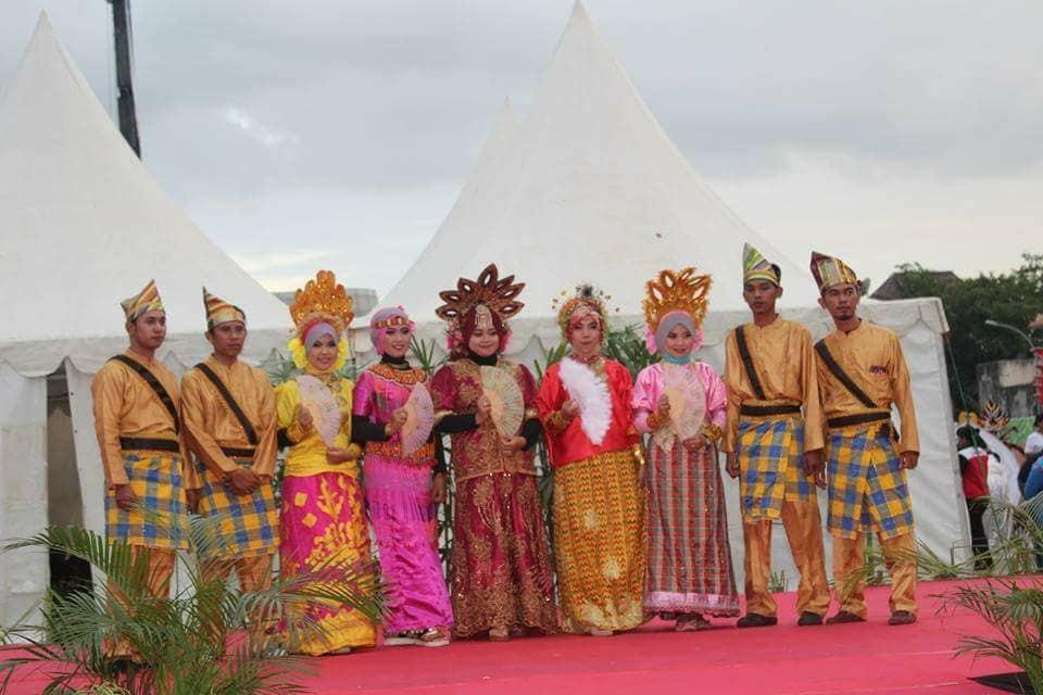 pakaian-tradisional-Bugis