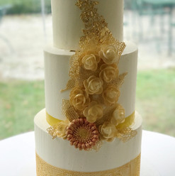 Gold Detail Wedding Cake
