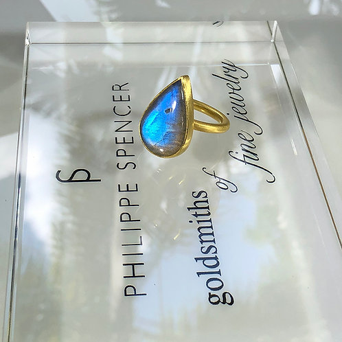 20.87 ct Labradorite Cabochon wrapped in pure 22K Gold