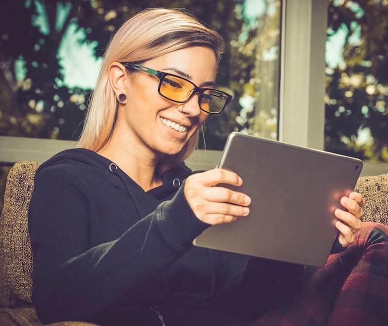 Woman wearing Gunnar Optiks glasses