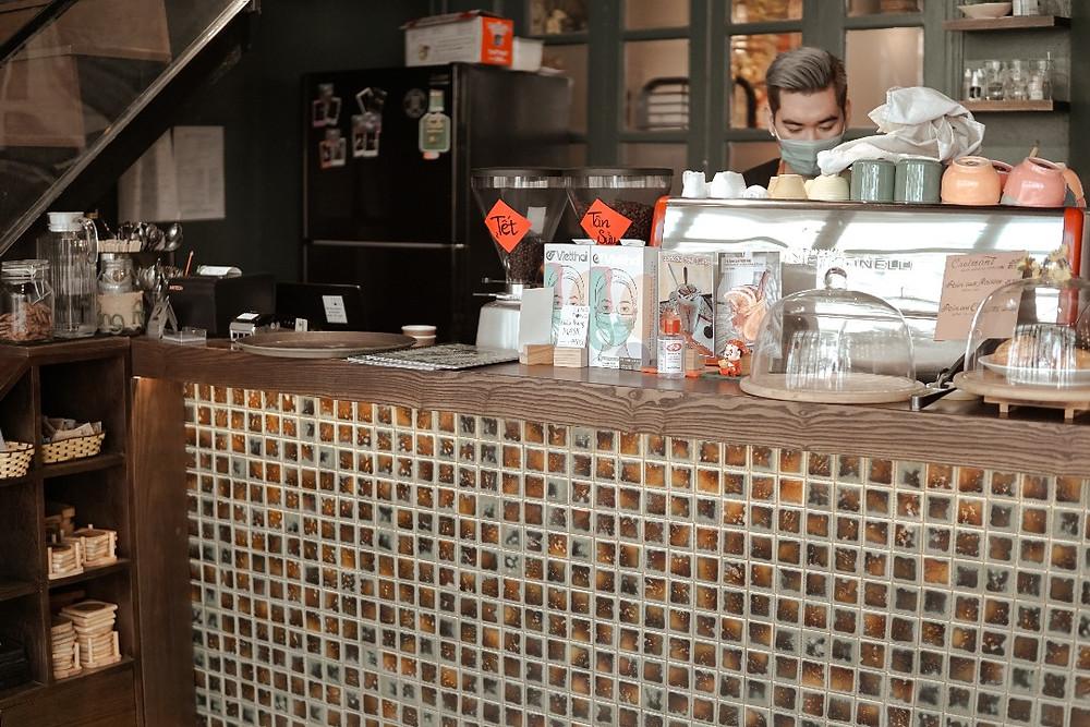 quầy pha chế tại cafe PingPong