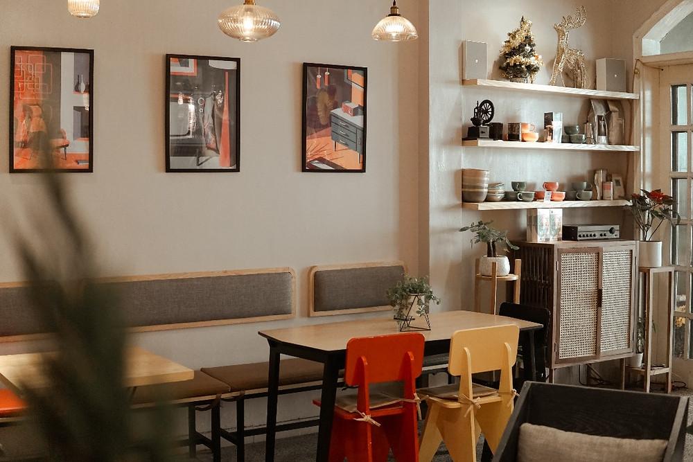 gian nhà bên trong tầng 1 PingPong Cafe