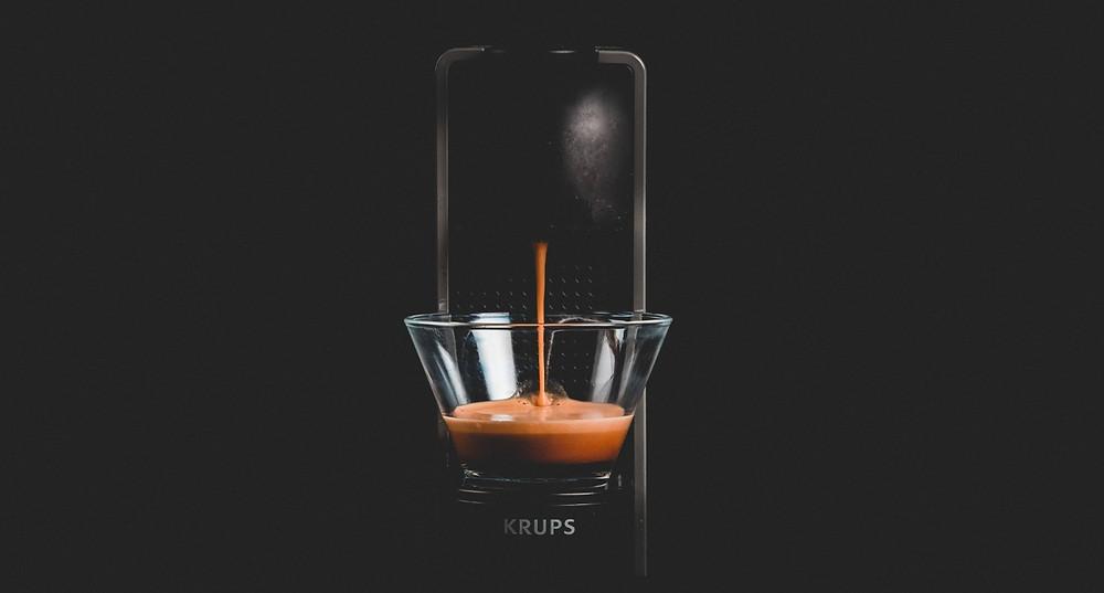 cafe espresso trong cốc