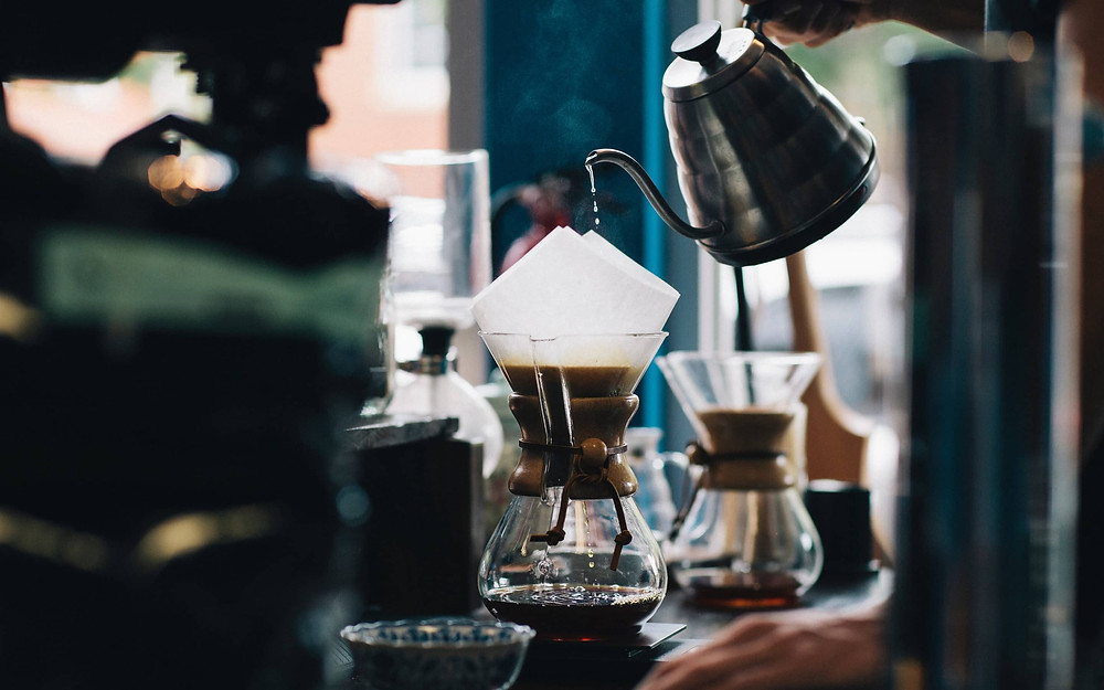 Pha chế pour-over coffee