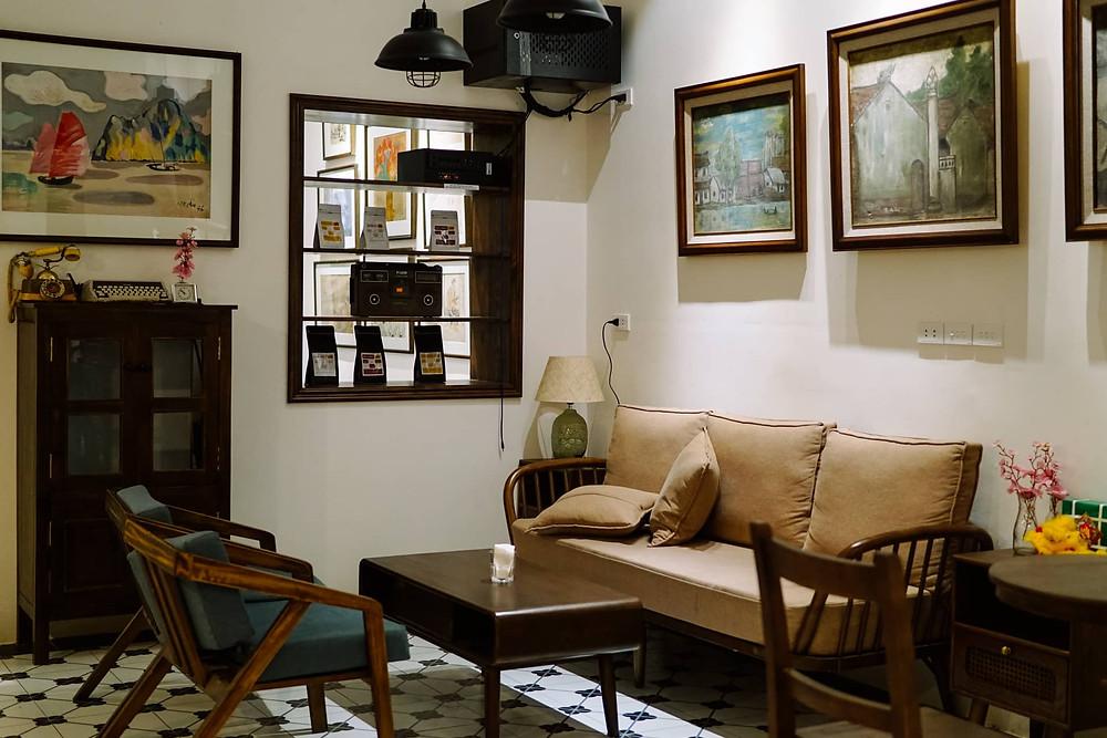 ghế sofa, bàn thấp, tủ gỗ, hạt cà phê