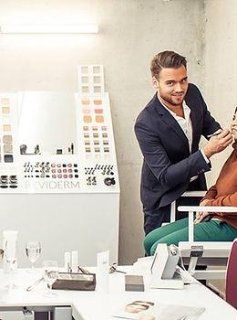 Reviderm MakeUp Promotion mit Mae-Up Artist Manul Jacob.