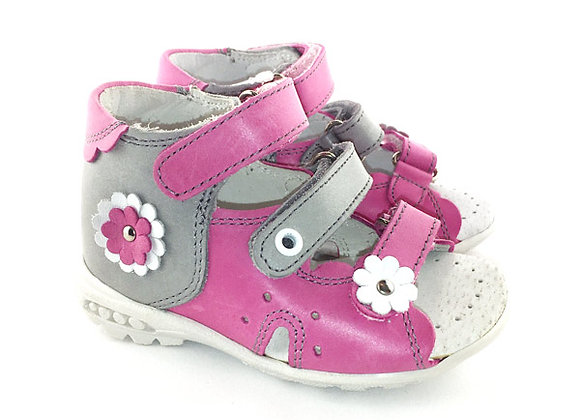 KG03719_OS Pink/Gray Leather Sandals