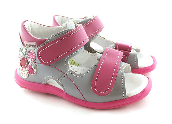 GG010_22_OS Gray/Pink Leather Sandals
