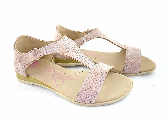 RBG31_4334_OS Beige Scaled Leather Sandals
