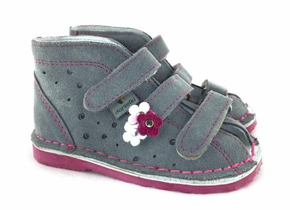 DGS_T125G Gray Suede Sandals