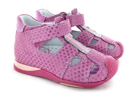 RBG11_1544_CS Pink Star Leather Sandals