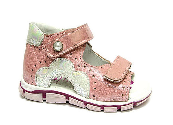 RBG11_1538_0164_OS Pearl Pink Leather Sandals