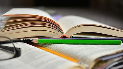 book-2158704_960_720.jpg
