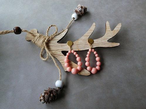 Créoles Juliette en perles rose corail (petit modèle)