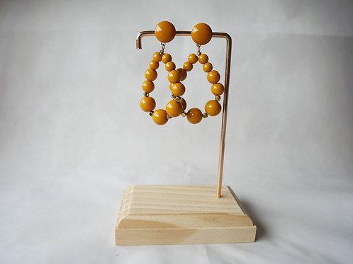 Créoles Julie en perles résine jaune moutarde - Créoles esprit vintage en perles