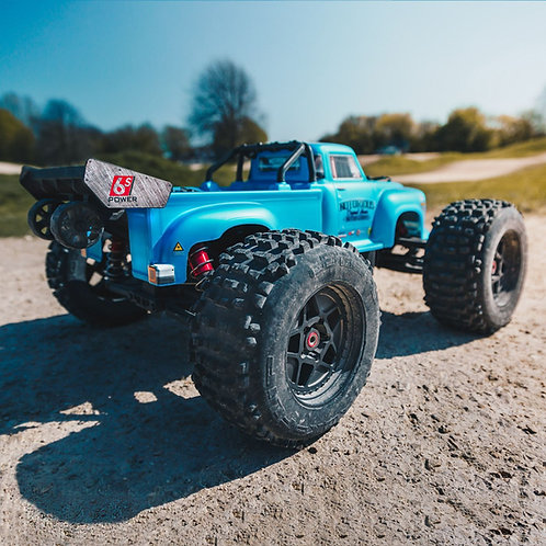 Arrma 1/8 NOTORIOUS 6S BLX 4WD Brushless Classic Stunt Truck with Spektrum RTR,