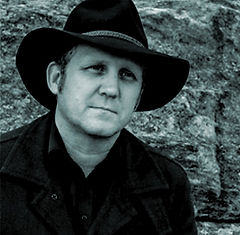 Paul Griffiths bass player Darks Common Underground