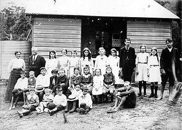 Empire Bay Public School Circa 1912.jpg